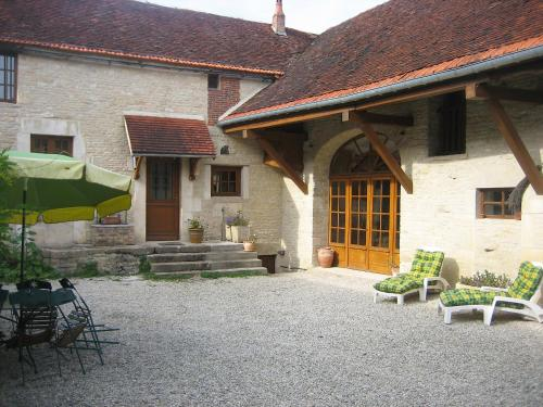 Holiday Home Les Glycines : Guest accommodation near Montliot-et-Courcelles