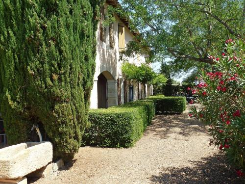 Holiday Home Mas Mont Plaisir : Guest accommodation near Vauvert