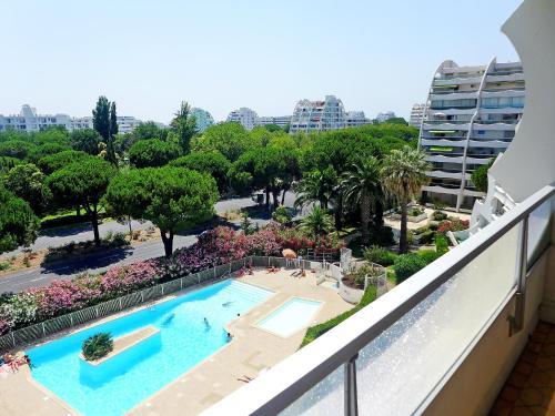 Apartment Fleurie I : Apartment near Candillargues