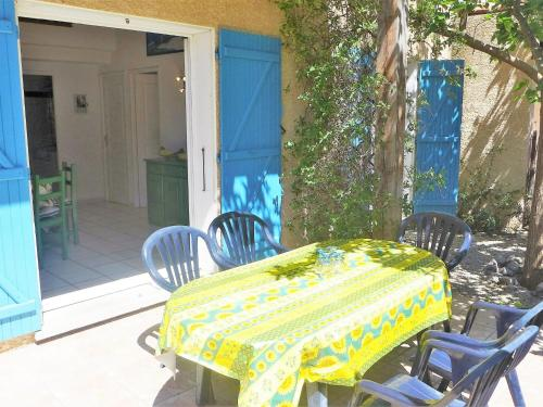 Holiday Home Les Garrigues Du Rivage : Guest accommodation near Fleury