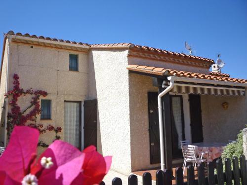 Holiday Home Le Hameau des Bougainvilliers : Guest accommodation near Saint-Cyprien