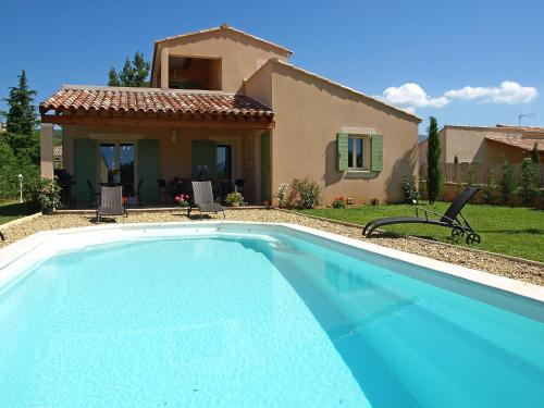 Villa La barbanne des Bois : Guest accommodation near Rustrel