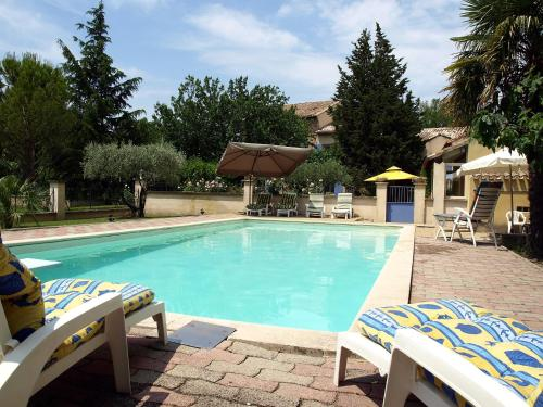 Holiday Home de la Roque : Guest accommodation near Bédarrides