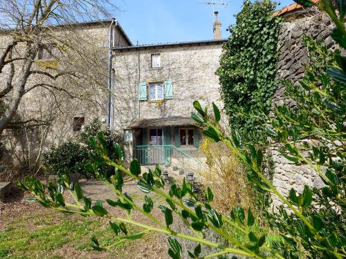 Holiday Home Le Jardin de Timothee : Guest accommodation near Pindray