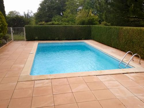 Holiday Home La Maison Monceny : Guest accommodation near Berneuil