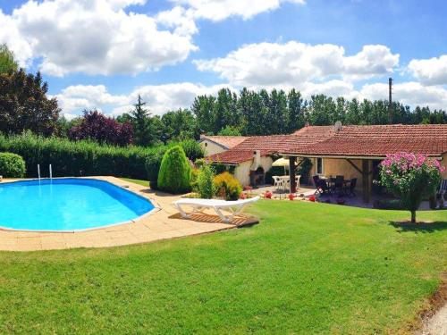 Holiday Home La Grangette : Guest accommodation near Boresse-et-Martron