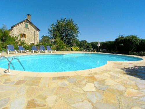 Holiday Home Sakura : Guest accommodation near La Chapelle-Bâton