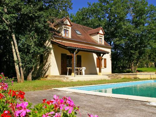 Holiday Home Les Chenes : Guest accommodation near Salviac