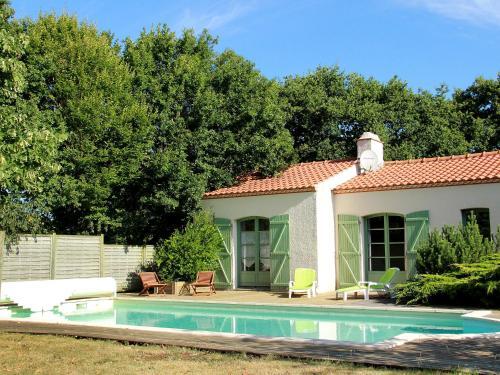Holiday Home L'Auvière : Guest accommodation near Saint-Père-en-Retz