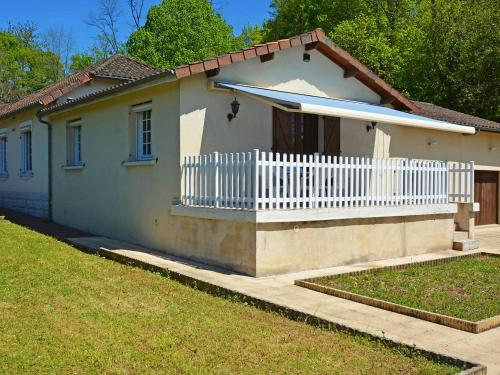 Holiday Home Motyl : Guest accommodation near Marval