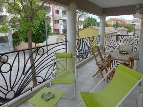 Apartment Le Madrilène : Apartment near Saint-Cyr-sur-Mer
