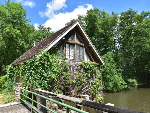 Le Moulin : Guest accommodation near Saint-Saulge