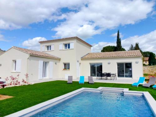 Villa La Maison de Mistral : Guest accommodation near Flaux