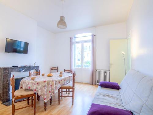 Apartment Le Béarnais : Apartment near Bonneville-sur-Touques