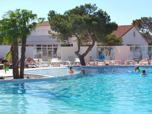 Holiday Home Les Mas de Toreilles.4 : Guest accommodation near Saint-Laurent-de-la-Salanque