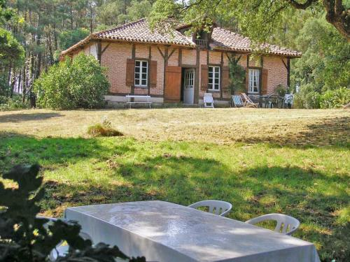 Holiday Home HOLLEBARDE : Guest accommodation near Azur
