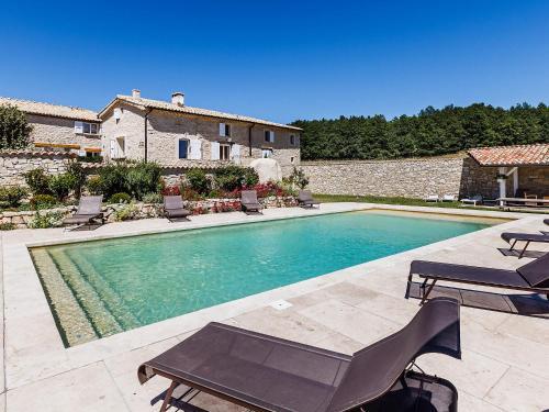 Holiday Home Aubignane La Ferme d'Estafinette : Guest accommodation near Saumane