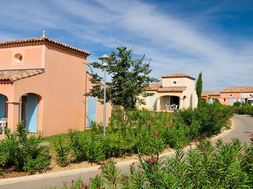 Holiday Home Les Hauts du Lac - Port Minervois : Guest accommodation near Homps