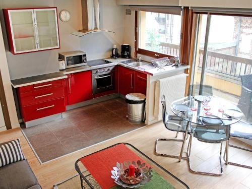 Apartment Les Cigognes : Apartment near Deauville