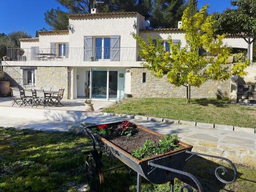 Apartment Le Mas Line : Apartment near Le Castellet