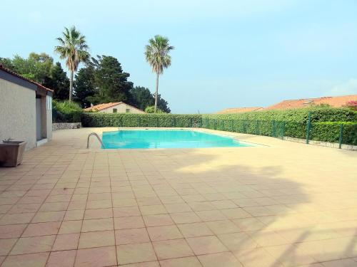 Holiday Home Domaine des Vignes.4 : Guest accommodation near Cogolin
