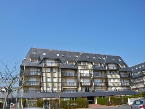 Apartment les Colombières : Apartment near Blonville-sur-Mer