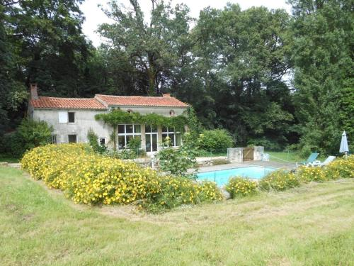 Holiday Home La Boulangerie : Guest accommodation near Saint-Laurs