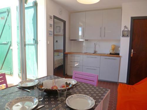 Apartment Les Miramars : Apartment near Le Barcarès