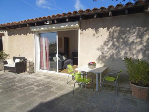 Holiday Home Le Masandret : Guest accommodation near Cabrières-d'Avignon