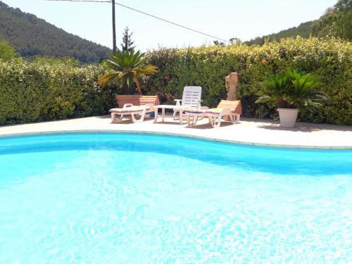 Villa Le Vallon : Guest accommodation near Carqueiranne