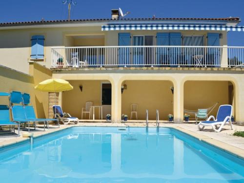 Grande maison a Cardaillac : Guest accommodation near Issepts