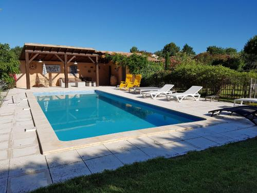 Villa Saint-Pierre-De-Vassols : Guest accommodation near Saint-Pierre-de-Vassols