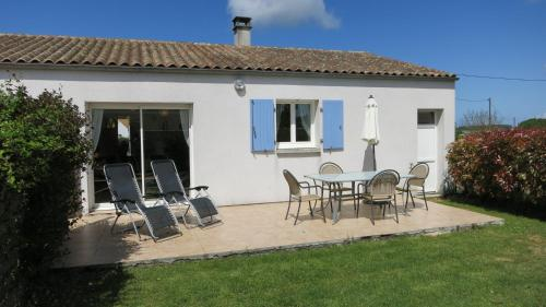 Les Lavandes : Guest accommodation near Chaillevette