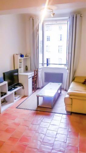 Deux pièces centre historique Grasse : Apartment near Caussols