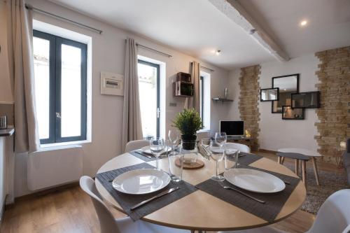 maison avec cour proche centre ville : Apartment near Rouffiac-d'Aude