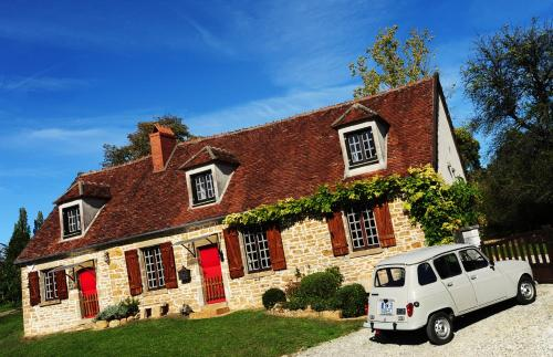 Momella House : Guest accommodation near Sainte-Colombe-sur-Loing