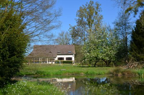 Le domaine des terres du thil : Guest accommodation near Rieux