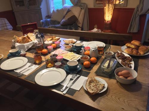 Etang Fleuri : Bed and Breakfast near Saint-Vigor-des-Mézerets