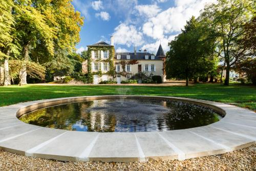 Domaine de l'Ermitage : Bed and Breakfast near Bourges