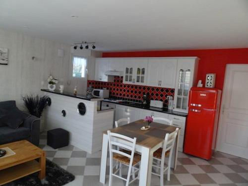 Holiday home Route de Gamaches : Guest accommodation near Fresnoy-Andainville