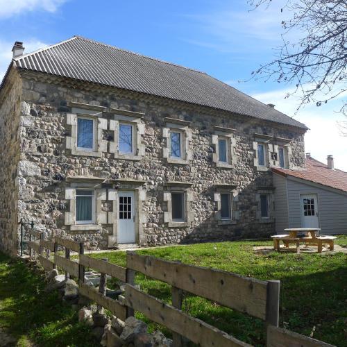 L'Arbrassous : Guest accommodation near Saint-Andéol-de-Fourchades