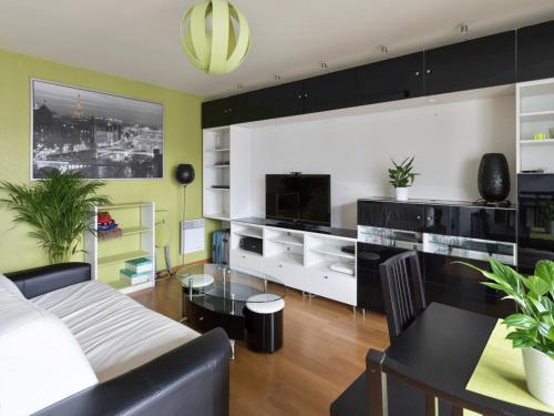 Welkeys - Saint-Just Apartment : Apartment near L'Île-Saint-Denis