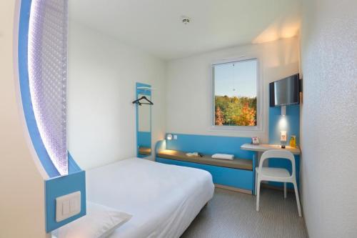 First Inn Hotel Paris Sud Les Ulis : Hotel near Villejust