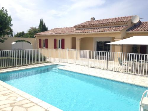 Agréable maison avec Piscine & Spa : Guest accommodation near Saint-Didier