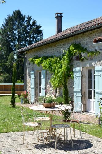 Maison Francaise De Etcetera : Guest accommodation near Gorre