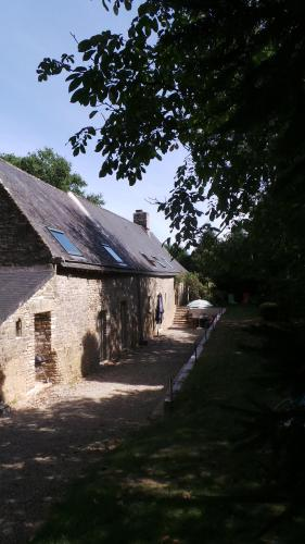 Gîte de la Longère : Guest accommodation near Brandérion