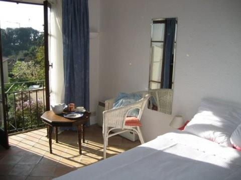 Les Amandiers : Guest accommodation near Vallauris