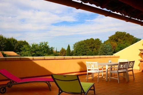 La terrasse de Saint-Didier : Apartment near Saint-Didier