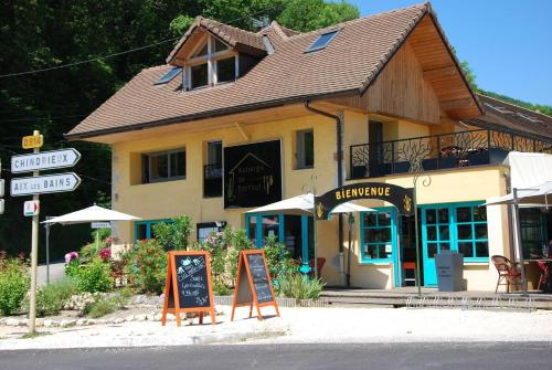Auberge de Portout : Bed and Breakfast near Culoz