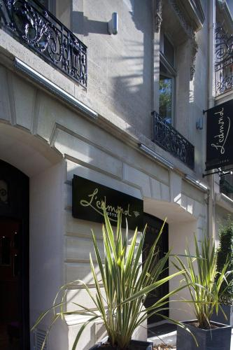 L'Edmond Hôtel : Hotel near Paris 8e Arrondissement